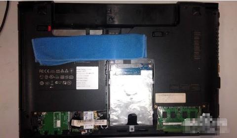 如何拆卸联想b470笔记本显示屏